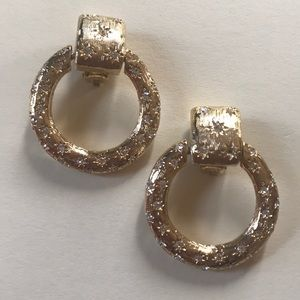 Jewelry - Absolutely gorgeous gold earrings